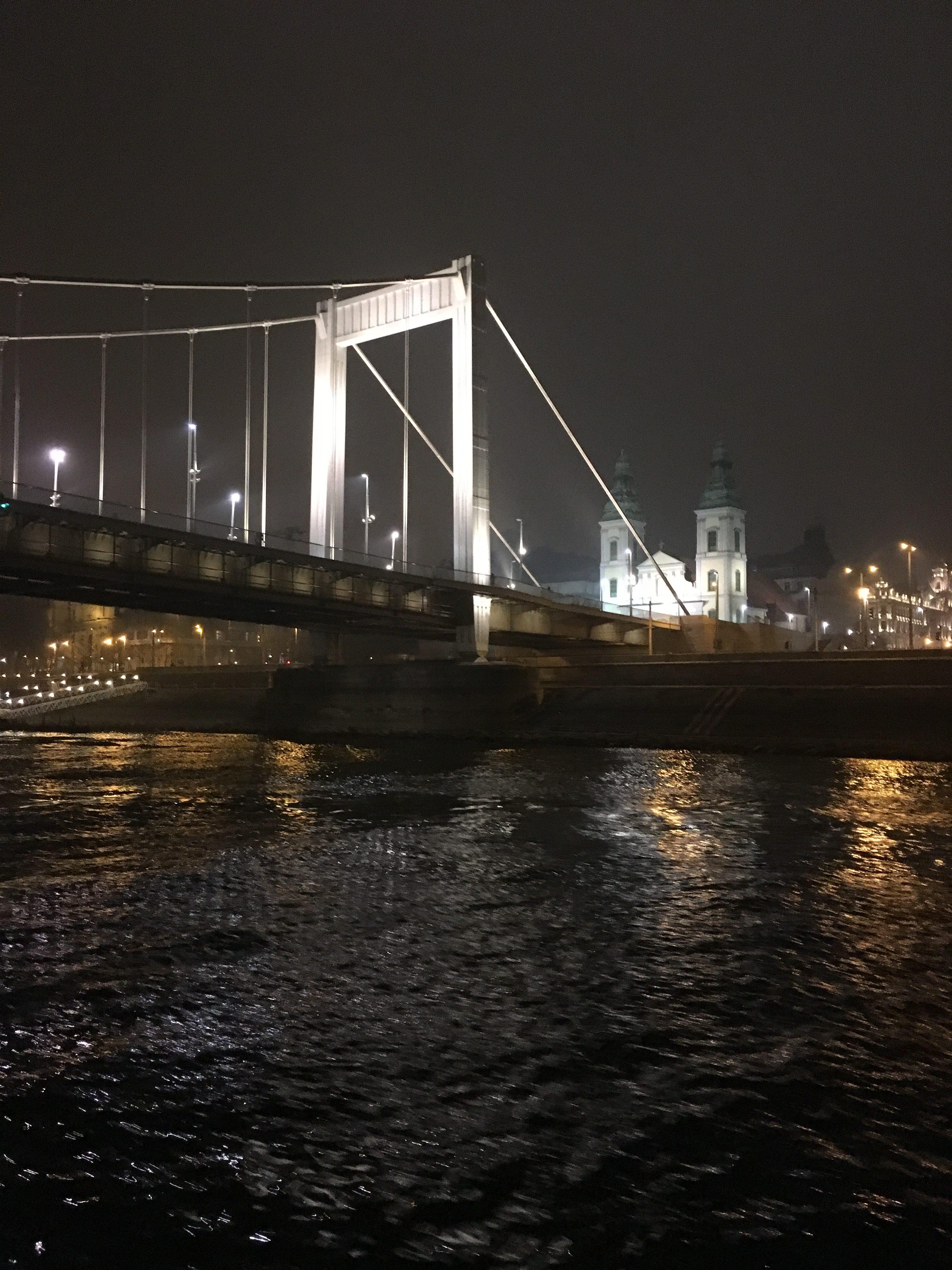 Міст Ержебет