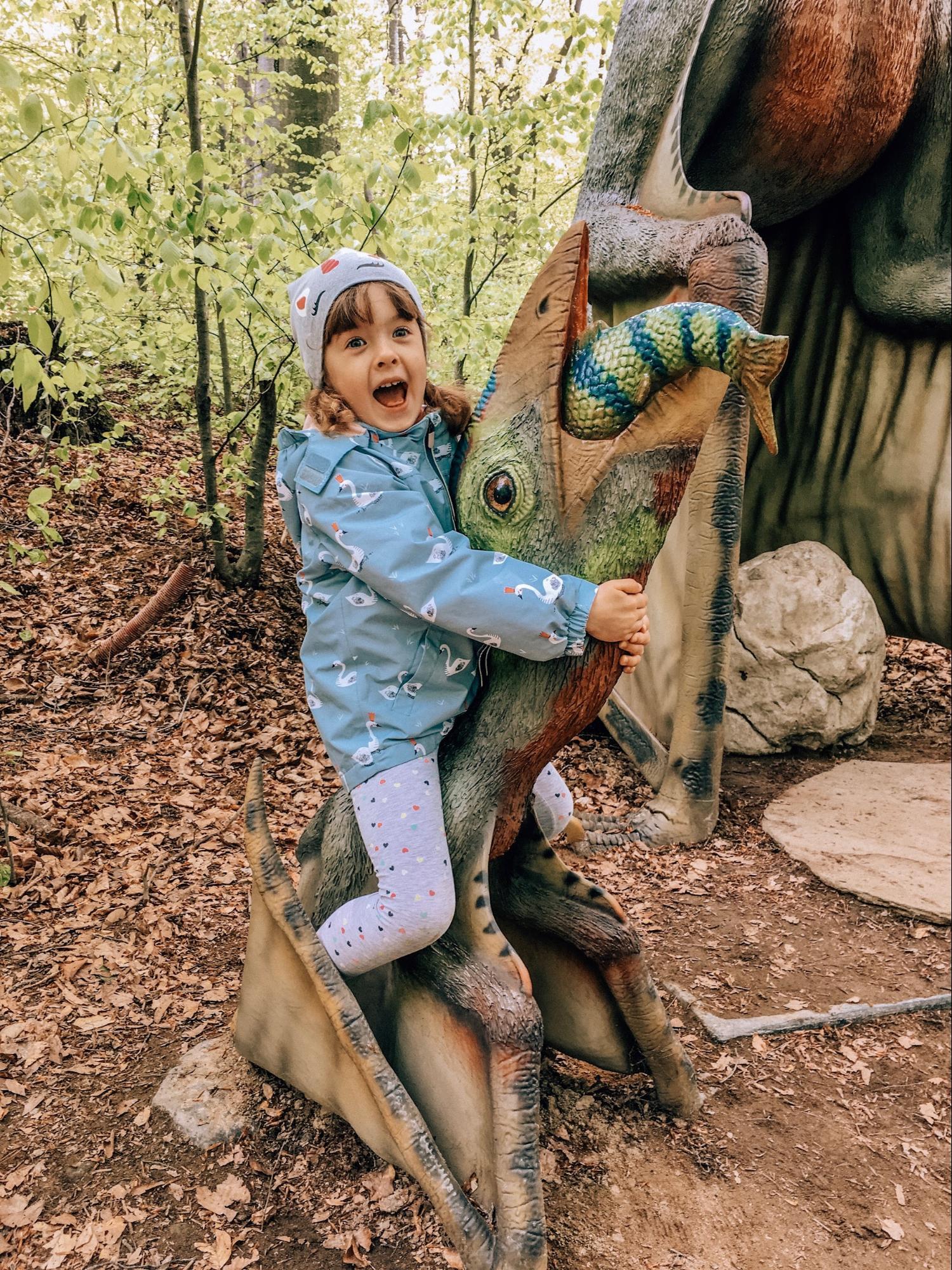 парк динозавров
