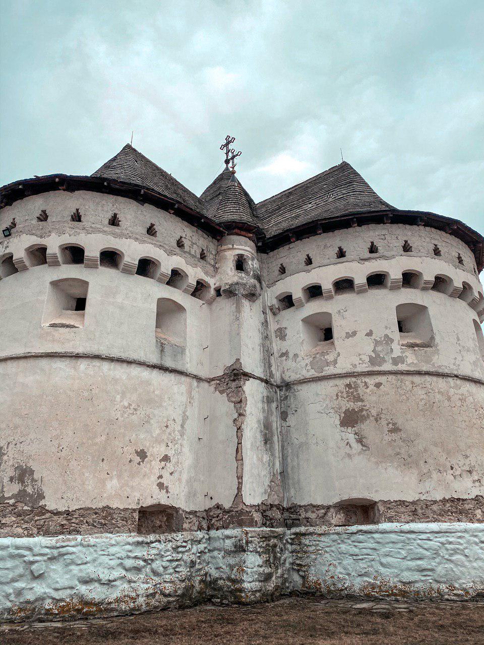 Оборонна церква Покрови Пресвятої Богородиці в Сутківцях Хмельницької області