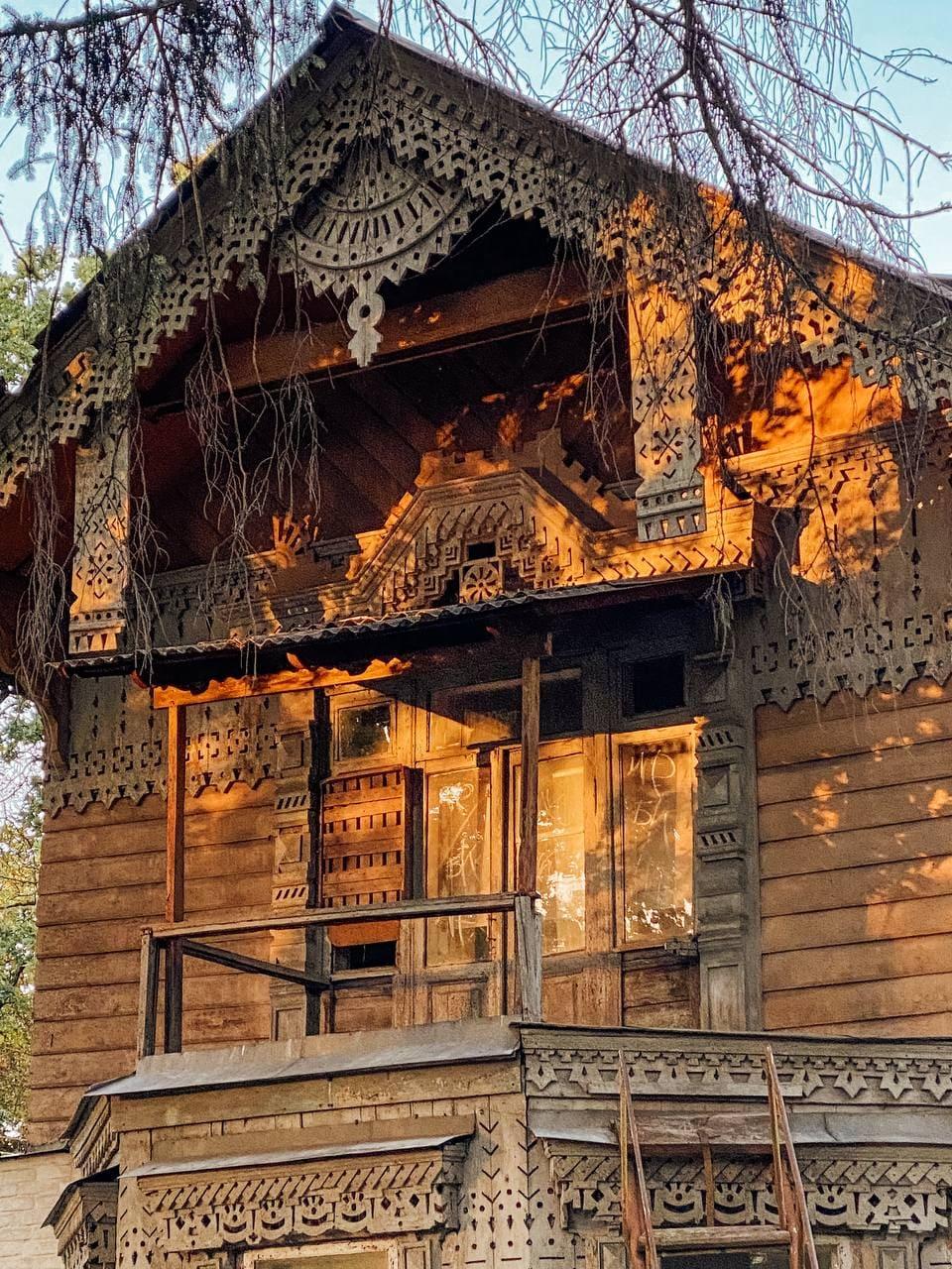 Куди поїхати біля Києва: Боярка та її старі дерев'яні дачі 19 століття.