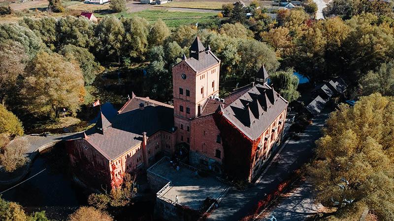 замок радомсль в житомирській області.