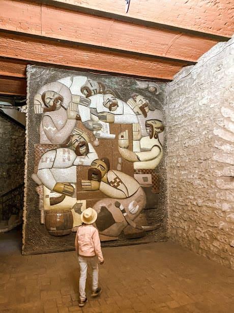 мозаїка в погребах виноробні трубецького.